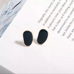 3/$30 💛 Irregular Geometric Earrings